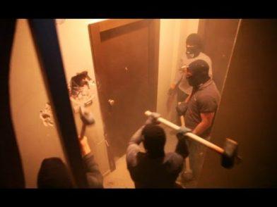 Atene, antifascisti sfrattano la Lepen [Video]