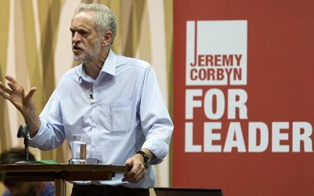Confermato alla testa del partito di opposizione britannico nonostante le tensioni interne