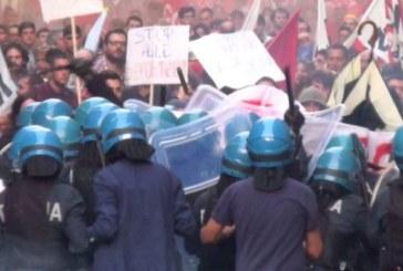 Catania, festa dell'Unità a numero chiuso e cariche di polizia