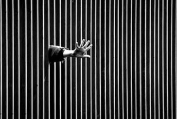 Pugni, carte, epilessia: sette giorni di repressione