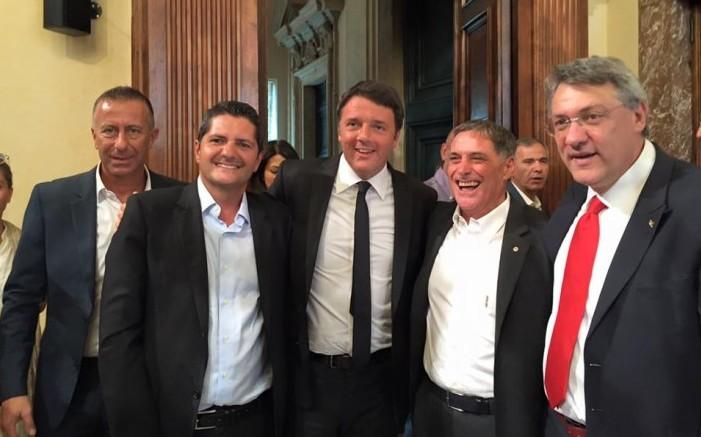 landini (fiom), bentivogli (fim) e Renzi nel 2015