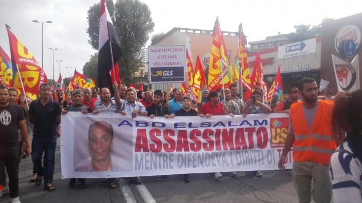 Piacenza, reclamano lo stipendio, il padrone aggredisce tre facchini