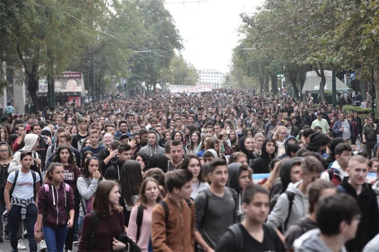 """Grecia, arriva la """"buona scuola"""". Sembra Renzi ma è Tsipras"""