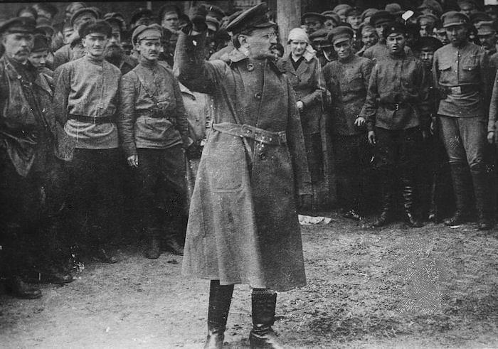 Trotskij: la Rivoluzione d'Ottobre iniziò di gennaio
