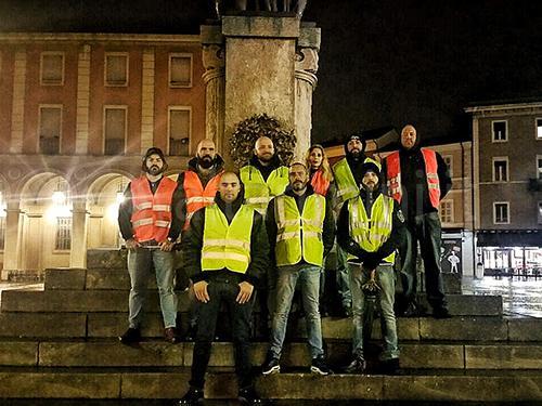 Ronde nere e altre gazzarre, i sindacati di polizia si accorgono dei fascisti