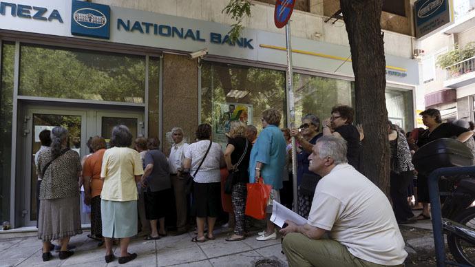 Varoufakis: Bce illegale quando chiuse le banche greche
