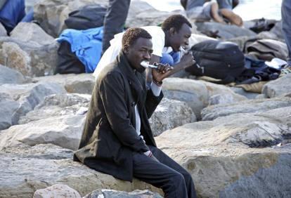 Ventimiglia, denunciati per aver dato panini ai profughi