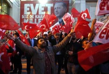 Turchia, la farsa di Erdogan che sotterra la democrazia