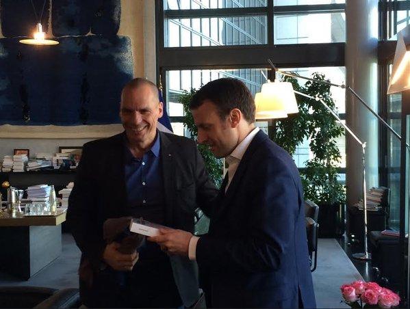 "Varoufakis ""vota"" Macron. Ecco perché"