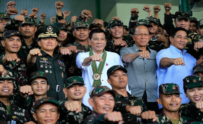 Filippine: per il presidente Duterte stuprare non è reato