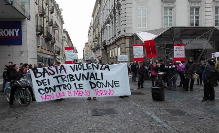 presidio-torino- contro sentenza stupro marzo 2017