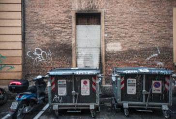 Bologna, dopo lo sgombero la polvere