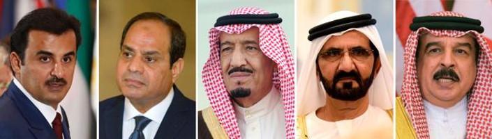 Da sinistra a destra l'emiro del Qatar, lo sceicco Tamin bin Hamad al-Thani - il presidente egiziano Abdel Fattah al-Sisi - il re Salman dell'Arabia Saudita - il primo ministro degli Emirati Arabi Uniti e governatore di Dubai sceicco Mohammed bin Rashid al-Maktoum – il re del Baharain Hamad bin Issa al-Khalia (Mandel Ngan/AFP)