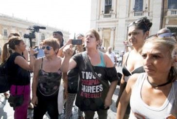 #piazzaindipendenza, Raggi, sindaca dell'accoglienza zero