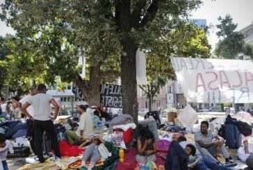 Rifugiati a Roma, seconda notte in strada dopo lo sgombero