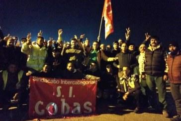 Sda, Pd e squadracce di crumiri: tutti contro i facchini in sciopero