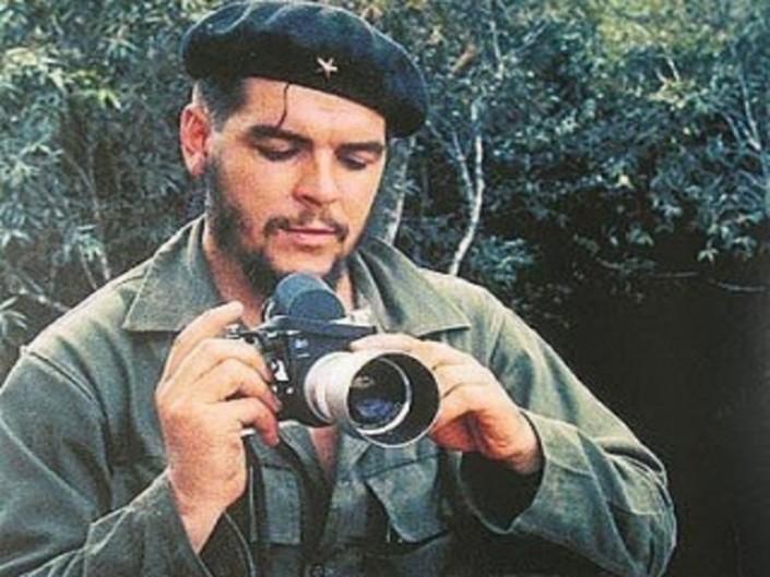 Limportanza-di-chiamarsi-Ernesto-Che-Guevara-licona-pop-ribelle-1-1-320x267-1