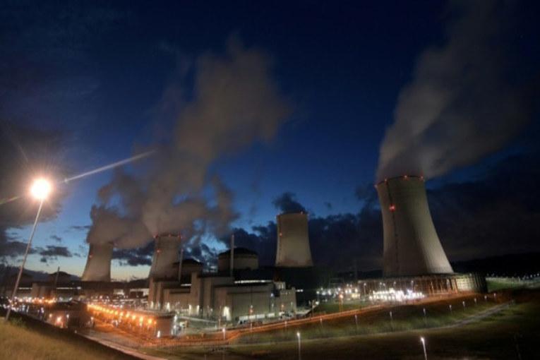 Nucleare: Greenpeace viola la centrale di Cattenom -Video