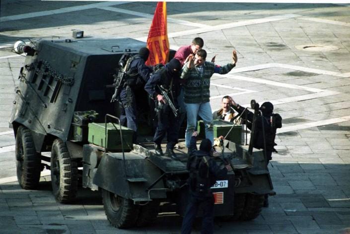 la conclusione della clamorosa messa in scena secessionista in piazza s.marco nel 1997