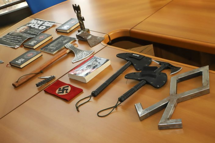 Nazisti del Varesotto, sequestro di sede e arsenale