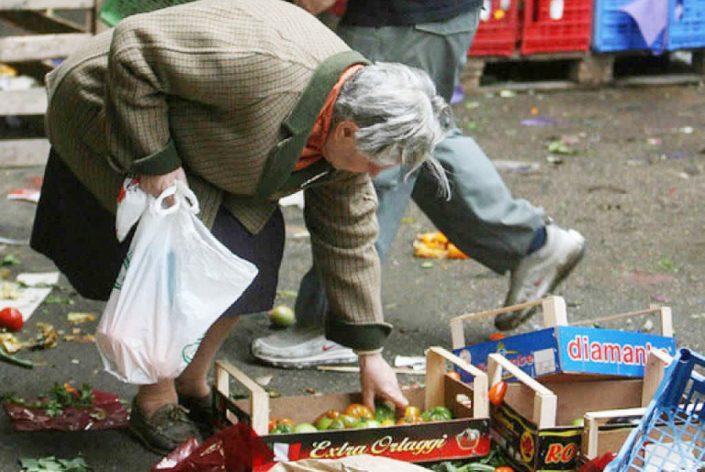 Ricchi sempre più ricchi, e un terzo di noi è a rischio povertà