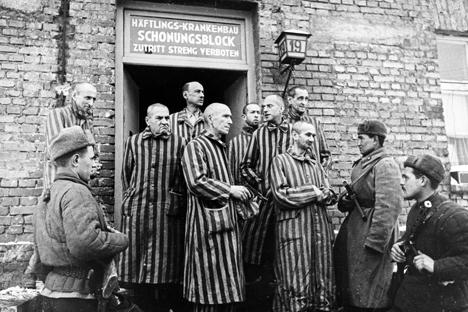 «Ad Auschwitz ci vennero incontro scheletri vestiti di stracci»