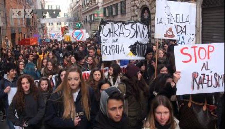 Genova, Minniti scrive la Lega esegue: daspo per i poveri