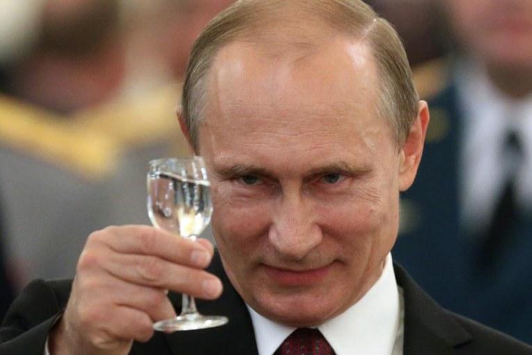 Perché Putin ha preso tutti quei voti