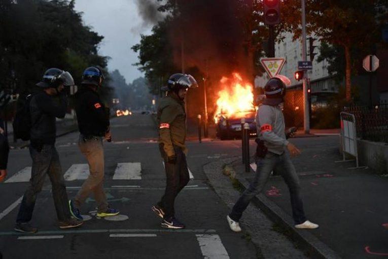 Francia, la polizia uccide ancora. Scontri a Nantes