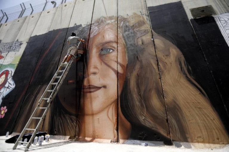 Israele libera l'artista napoletano Jorit. A Gaza si continua a morire