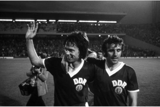 Calcio, saranno veri mondiali quando giocheranno i popoli in lotta