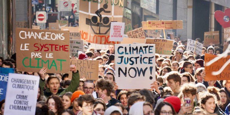 In sciopero per il clima: i giovani mostrano il modo!