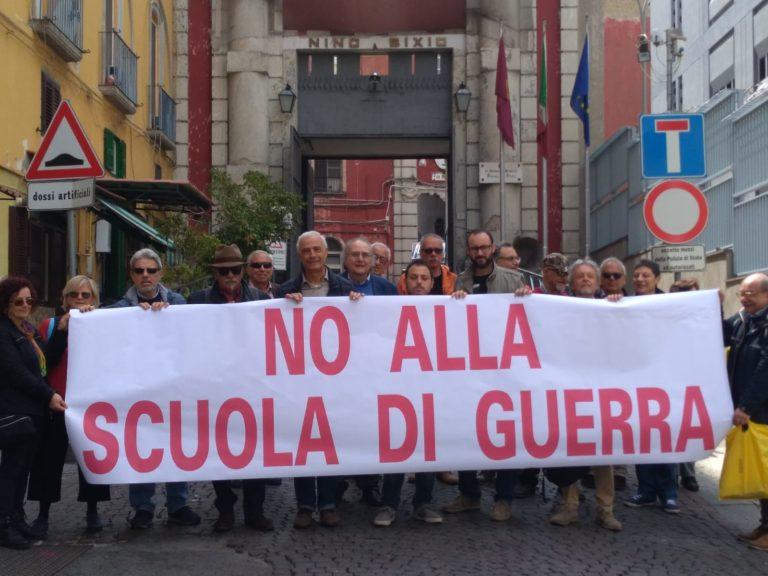 """Napoli, flashmob contro la """"bastardata di Pizzofalcone"""""""