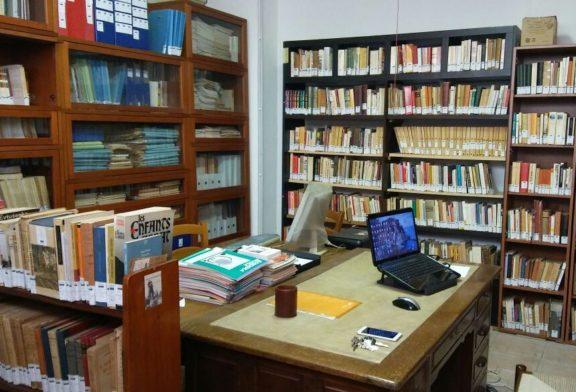 Roma, la lotta tra il topo e la vecchia talpa nella biblioteca Maitan