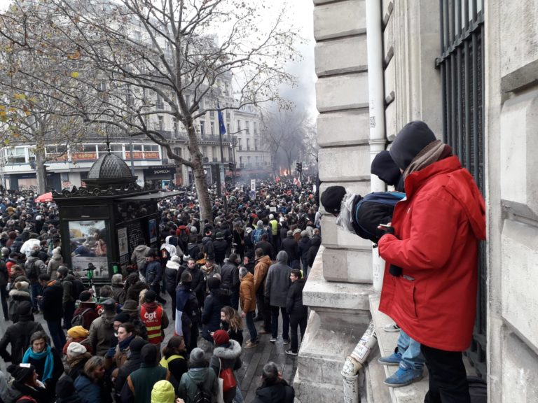 In Francia la miccia si è riaccesa