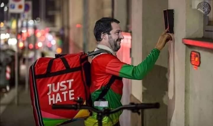 Un carabiniere dietro la citofonata di Salvini. Indagine interna dell'Arma