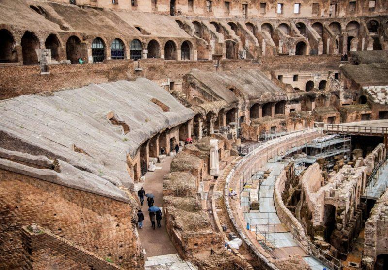 Lo strano terrore di una Roma in preda al coronavirus