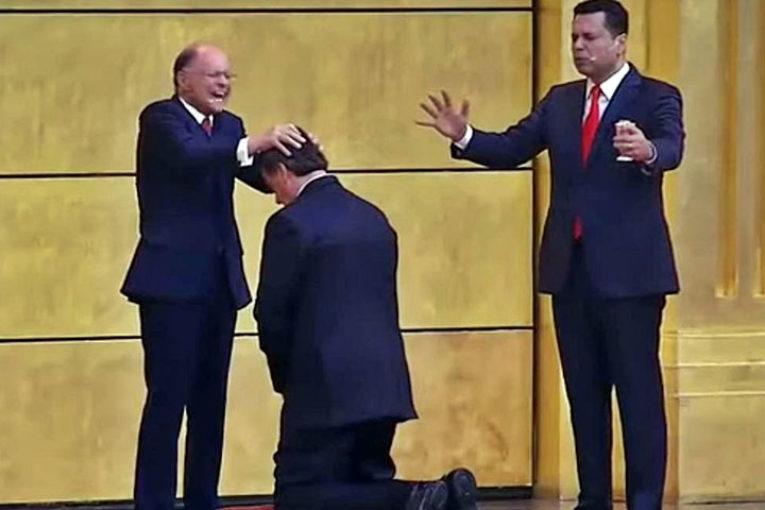 Bolsonaro: religione e lotterie servizi essenziali contro il Covid