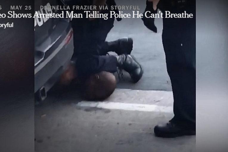 Minneapolis, 4 agenti bianchi uccidono un afroamericano
