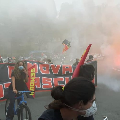 Genova, una carovana di antifascisti si riprende la piazza