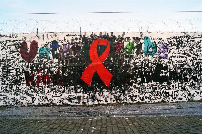 """AIDS in Africa. Morti di un virus """"minore"""""""