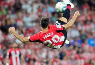 Calcio, l'addio di Aduriz nello stadio vuoto di Bilbao