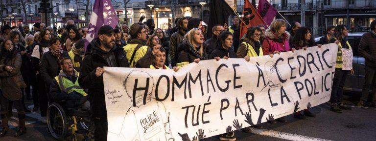 Francia, uccisero un rider, il ministro mantiene gli agenti in servizio