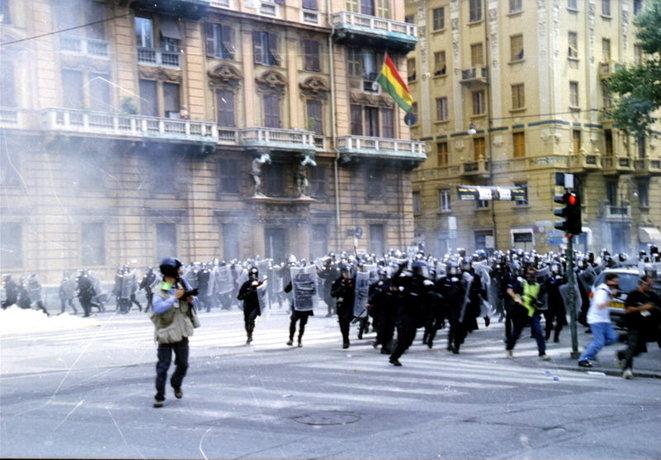 Da Genova a Ground Zero: perché siamo incatenati al 2001